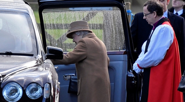 İngiltere kraliyet ailesinde ayrılık krizi zirvesi