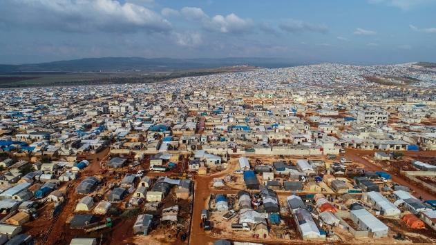 İdlibdeki çadır kentler doldu, taşıyor