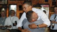 Pizzacı Başkan'ı Kucaklayıp Kaldırıverdi