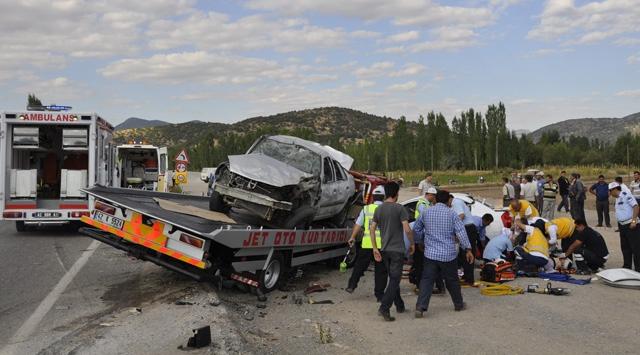 Konya-Antalya Yolunda Kaza: 4 Ölü