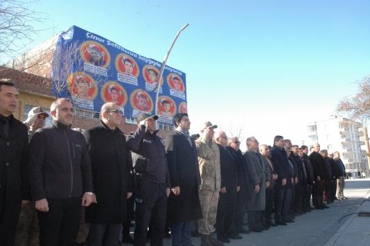 Diyarbakırdaki terör saldırısında hayatını kaybedenler anıldı