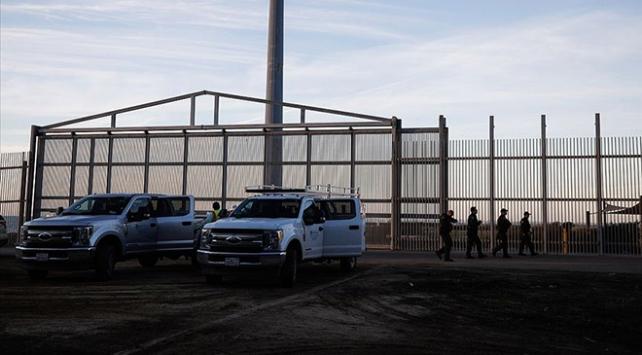 ABD, göçmenleri uçağa bindirip Guatemalaya geri gönderiyor