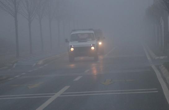 Sakaryada sis nedeniyle görüş mesafesi 30 metreye düştü