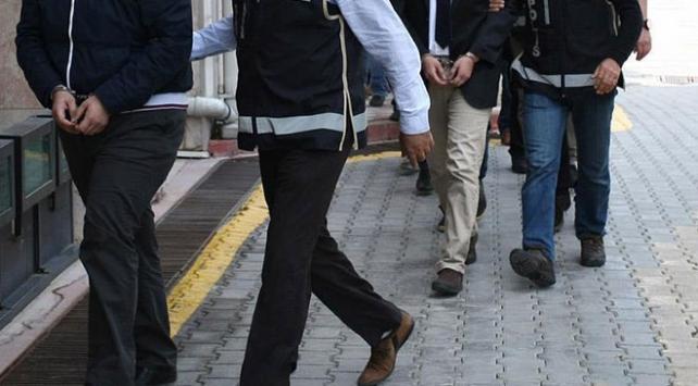 Edirnede yol kontrolünde yakalanan biri FETÖ şüphelisi 2 kişi tutuklandı