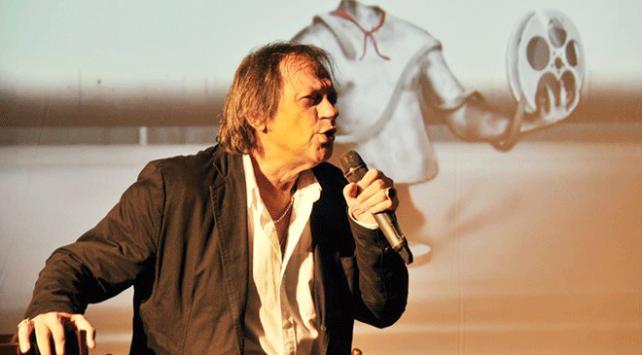 Oyuncu ve şarkı sözü yazarı Recep Aktuğ hayatını kaybetti