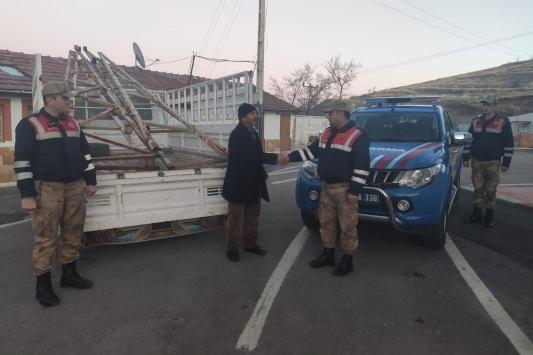 600 kilogramlık çatı makası çalan zanlı gözaltına alındı