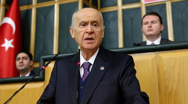 Bahçeli: Türkiyenin haklarını korumak sizi AK Partili, MHPli yapmaz