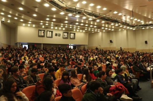 İzmirde hadisleri resimlere aktaran öğrencilere ödül