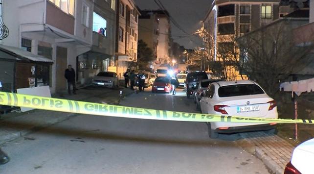 Uyuşturucu satıcısı olduğu iddia edilen şüpheliler 1 kişiyi yaraladı