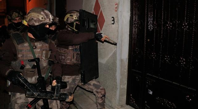 Adanada uyuşturucu satıcılarına şafak baskını: 30 gözaltı kararı