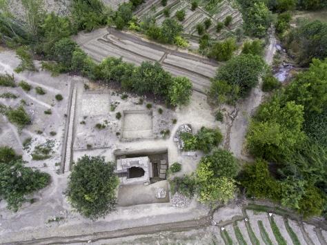 Denizlide stadyum için araştırma yapılan arazide tarihi mezar bulundu