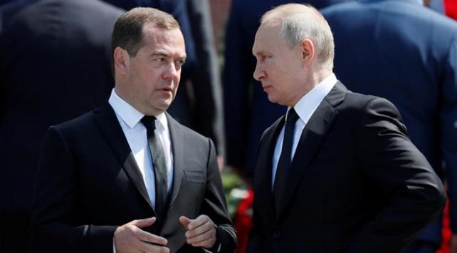 Rusyada hükümet istifa etti