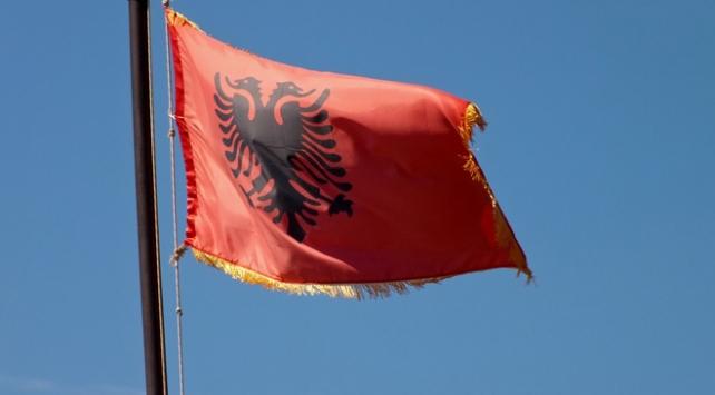 Arnavutluk iki İranlı diplomatı istenmeyen kişi ilan etti