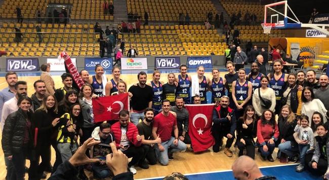 Fenerbahçe Öznur Kablo Polonyada farklı kazandı