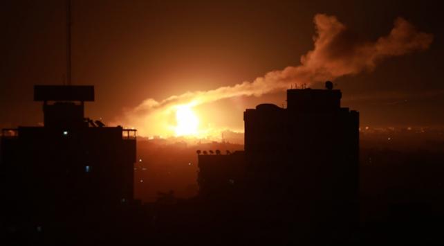 İsrail savaş uçakları Gazzeyi hedef aldı