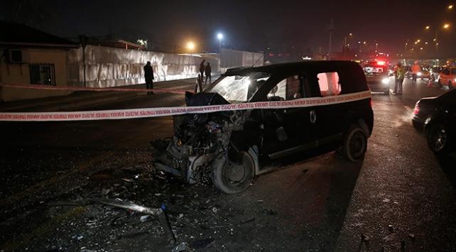 Ankarada hafif ticari araç otobüse çarptı: 1 ağır yaralı