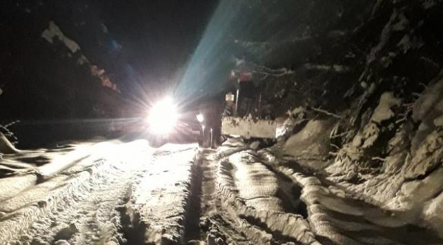 Karabükte dağda mahsur kalan 8 kişi kurtarıldı