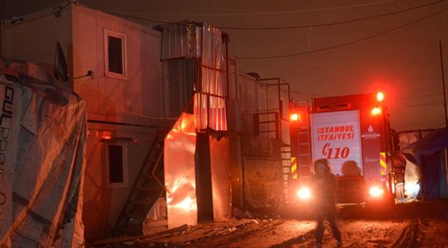 Sultangazide işçilerin kaldığı konteynerde yangın: 1 ölü