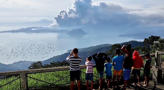 Filipinlerde 82 bin kişi tahliye edildi