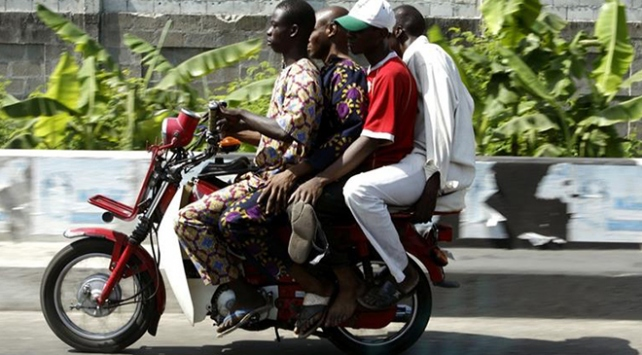 Nijeryada motosiklet kullanımına yasak