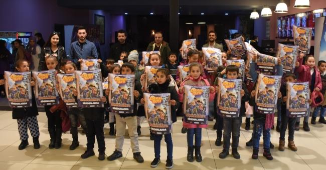 Kırsal mahallerdeki öğrenciler ilk kez sinemaya tanıştı
