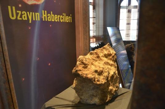 Türkiyenin en büyük 3üncü gök taşı, Çorum Müzesinde sergileniyor