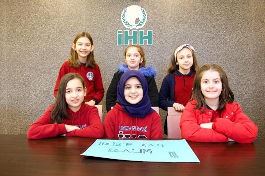Samsunda ortaokul öğrencileri, İdlibdeki çocuklar için yardım topladı