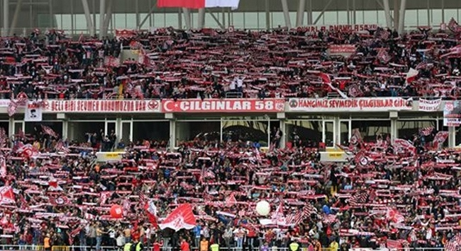 Lider Sivasspora taraftar desteği