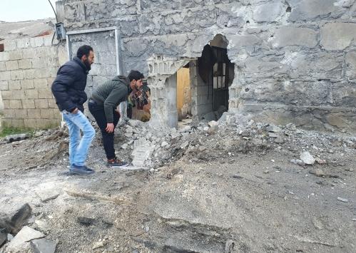 Tel Rıfatta yuvalanan YPG/PKKlı teröristlerin saldırısı sonucu Azezde 10 sivil yaralandı