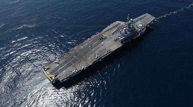 Fransa, Orta Doğuya uçak gemisi gönderiyor