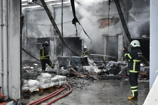 Samsunda plastik fabrikasında çıkan yangın kontrol altına alındı