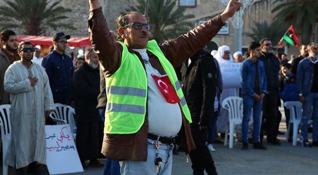 Libyada Hafter saldırıları protesto edildi