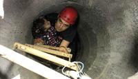 8 metrelik kuyuya düşen küçük kızı itfaiye ekipleri kurtardı