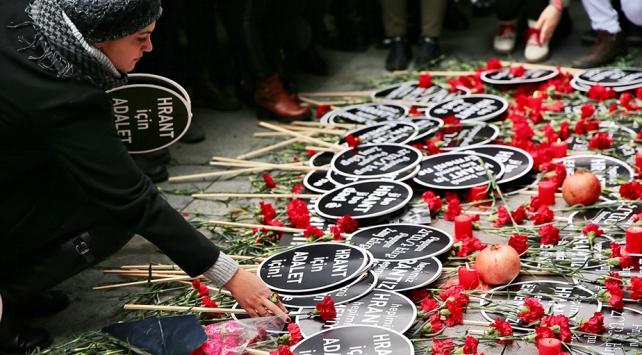 13 yıl önce suikasta uğrayan Hrant Dink Agos gazetesi önünde anıldı