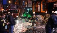 Beyoğlu'nda bir apartta çıkan yangın söndürüldü