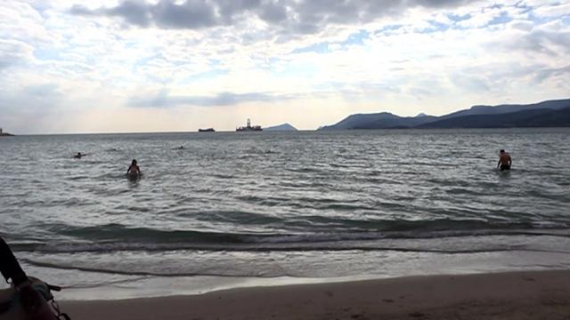 Kutsal Vaftiz Bayramı'nı Akdeniz'in soğuk sularına girerek kutladılar
