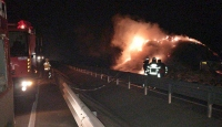 Gelibolu'da saman yüklü kamyonda yangın