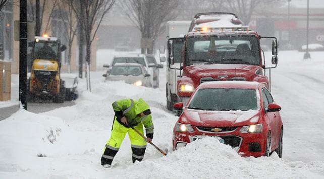 Kar, fırtına, dolu... Birçok ülkede hayat felç oldu