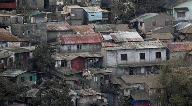Taal Yanardağının bulunduğu ada yerleşime kapatılıyor