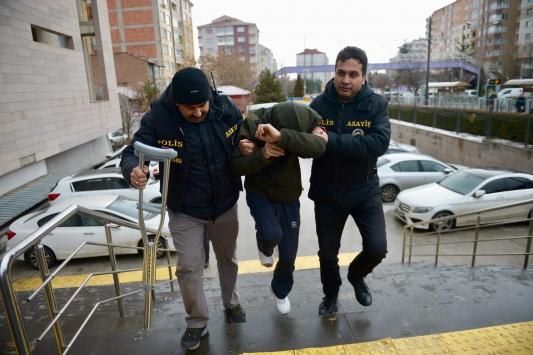 Eskişehirde fuhuş operasyonu: 8 gözaltı