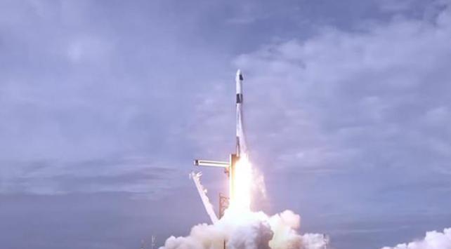 SpaceX'in acil durum kaçış sistemi testi başarıyla tamamlandı