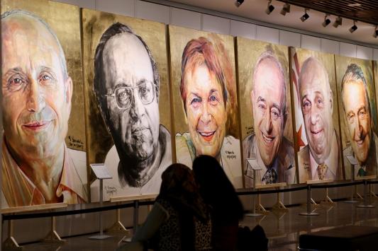 Ressam Ergün Başarın çizdiği portreler Eskişehirde sergileniyor