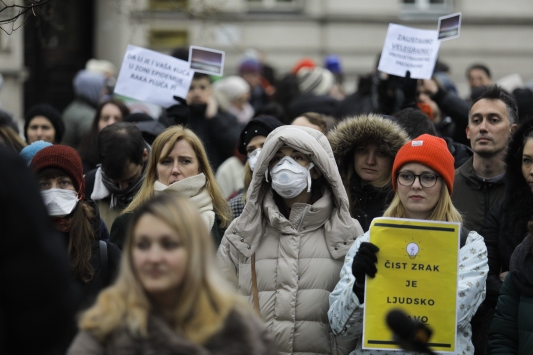 """Saraybosnada """"hava kirliliği"""" protestosu"""