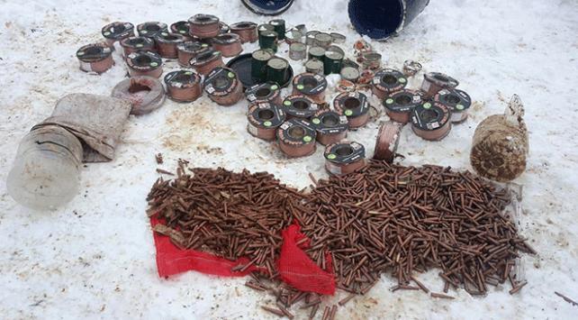 Bitliste teröristlere ait mühimmat ve gıda malzemesi bulundu