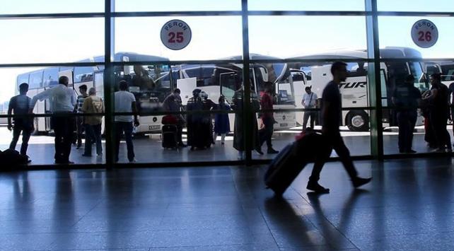 Yüzlerce yolcu otobüsü trafikten men edildi