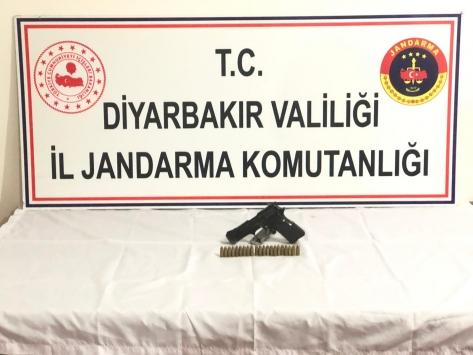 Diyarbakırda cinayet hükümlüsü 2 firari yakalandı