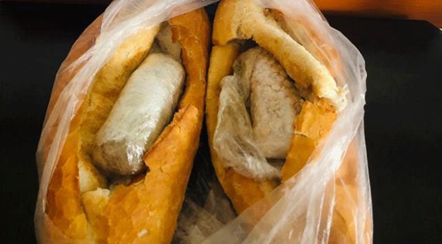 Ekmek arasına gizlenmiş 2 bin uyuşturucu hap ele geçirildi