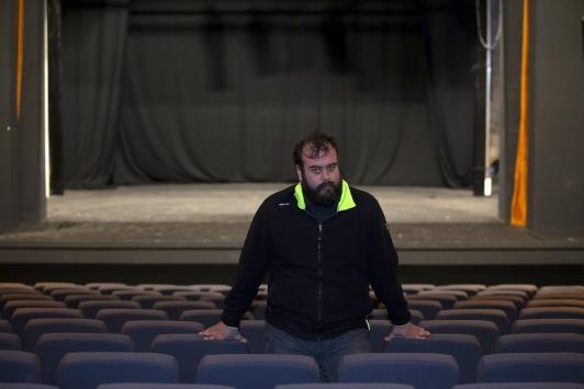 """Devlet Tiyatroları Edirne Sahnesinin biletleri """"ışık hızında"""" tükeniyor"""