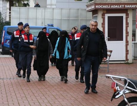 DEAŞın sözde emirinin eşinin de bulunduğu 4 kadın yakalandı