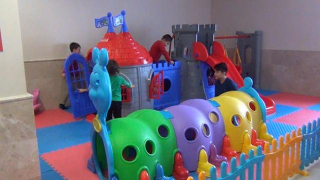 Kırıkkale Üniversitesinde diş hekiminden korkan çocuklara oyun alanı